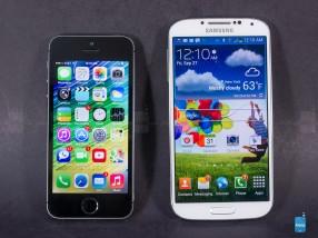 Apple-iPhone-5s-vs-Samsung-Galaxy-S4-001